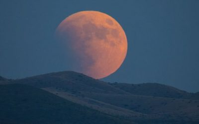 Full Moon and Lunar Eclipse in Leo – Love Is Rising